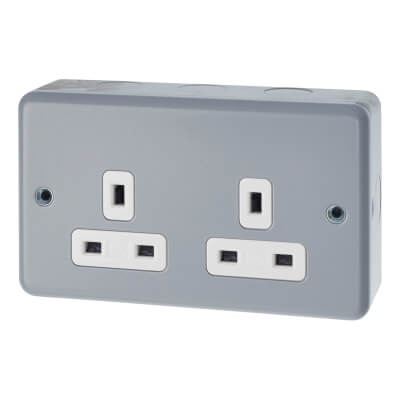MK 13A 2 Gang Metalclad Unswitched Socket - Grey