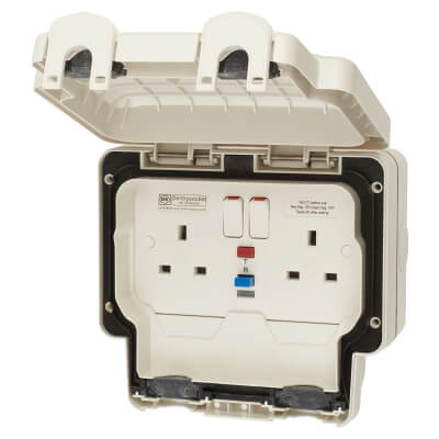 MK Masterseal Plus 13A 30mA IP66 2 Gang Weatherproof RCD Protected Switched Socket Outlet - Grey)