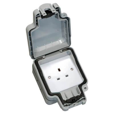 Hamilton Elemento 13A IP66 1 Gang Unswitched Weatherproof Socket - Grey)