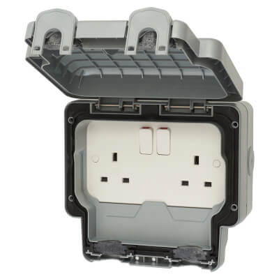 MK Masterseal Plus 13A IP66 2 Gang Weatherproof Switched Socket Outlet - Grey)