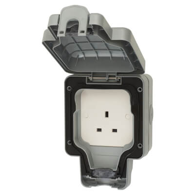 MK Masterseal Plus 13A IP66 1 Gang Weatherproof Unswitched Socket Outlet - Grey)