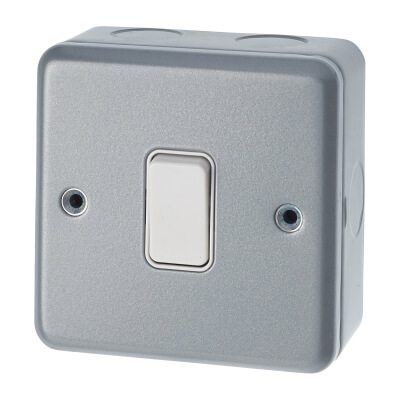 MK 10A 1 Gang Single Pole 2 Way Metalclad Switch - Grey)