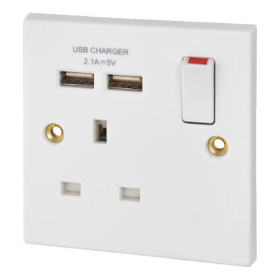 BG 13A 1 Gang Switched Socket with 2 x USB - 2.1A - White)