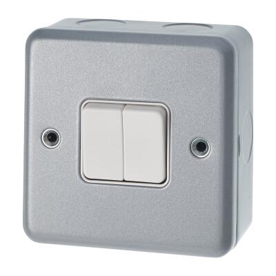 MK 10A 2 Gang Single Pole 2 Way Metalclad Switch - Grey)