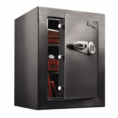 Masterlock T8 High Security Safe - 704 x 551 x 502mm - Black)