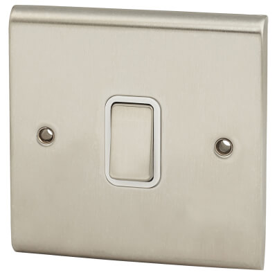 Deta 10A Slimline 1 Gang 2 Way Single Pole Switch - Satin Chrome)