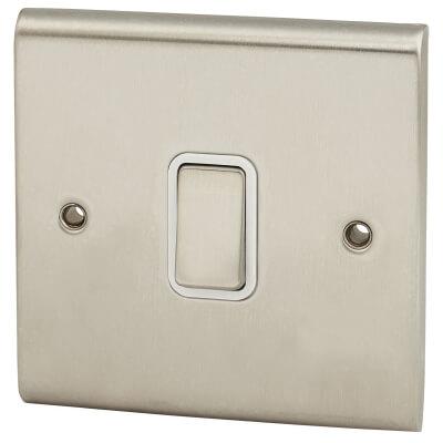 Deta Slimline 10A 1 Gang 2 Way Single Pole Light Switch - Satin Chrome)