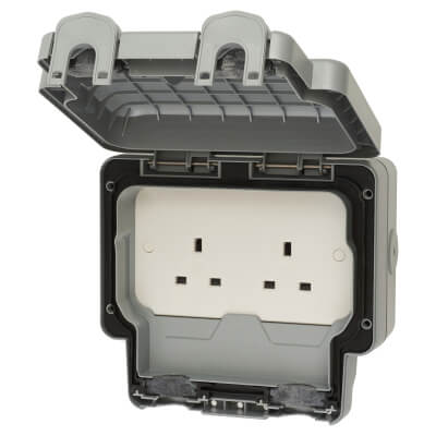 MK Masterseal Plus 13A IP66 2 Gang Weatherproof Unswitched Socket Outlet - Grey)