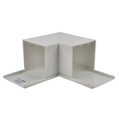 Maxi Trunking Flat Angle - 75 x 75mm - White)