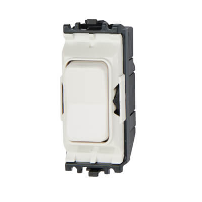 MK 10A 1 Gang 2 Way Retractive Switch Module with Centre Off - White