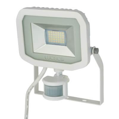 Luceco 22W 5000K Slimline PIR LED Floodlight - White)