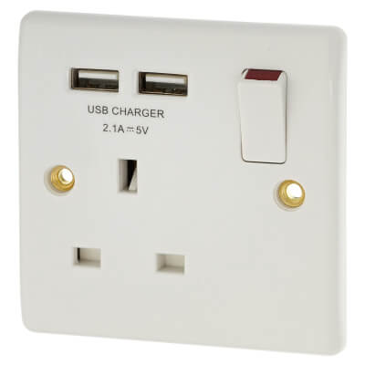 BG Nexus 13A 1 Gang Switched Socket with 2 x USB - 2.1A - White)
