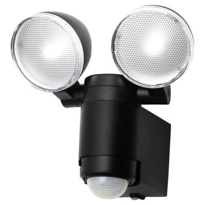 Stanley 5W LED Floodlight with PIR - 5000k - Black)